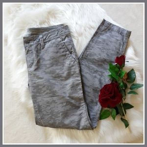 Eddie Bauer Boyfriend Slim Gray Camo Utility Pants